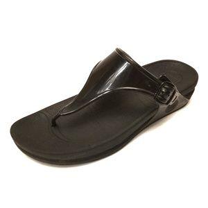 FitFlops 8 Black Flip Flops